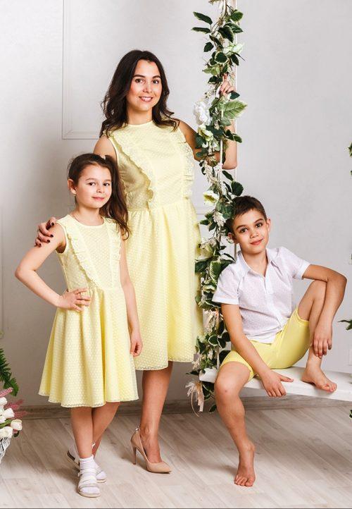 Комплект платьев для мамы и дочки family look «Ромашки» М-2033