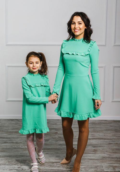 Комплект платьев для мамы и дочки «Рюши» М-2018