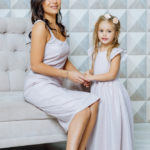 """Комплект нарядных платьев для мамы и дочки """"Джесика"""" М-2052"""