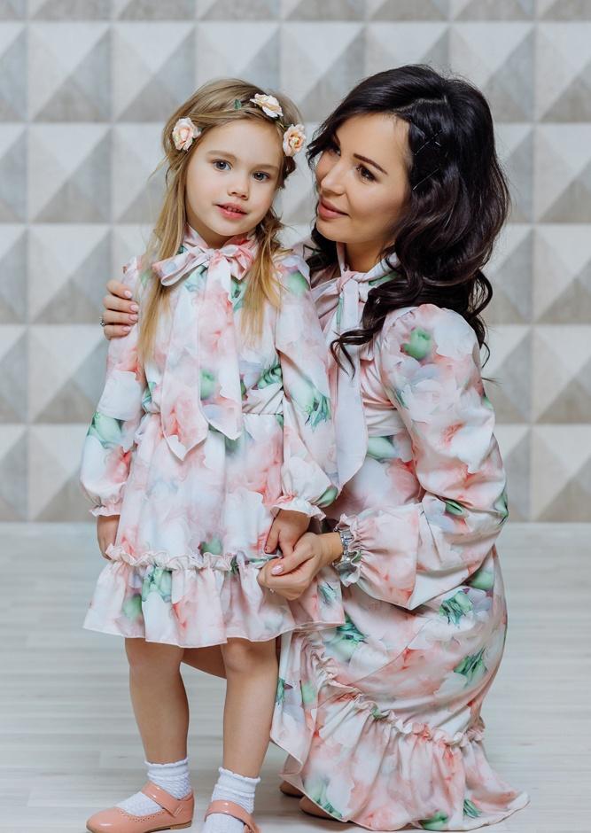 """Комплект платьев для мамы и дочки """"Акварель"""" М-2121"""