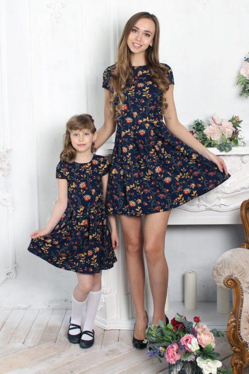 Комплект платьев для мамы и дочки в стиле Family Look КМ 2347