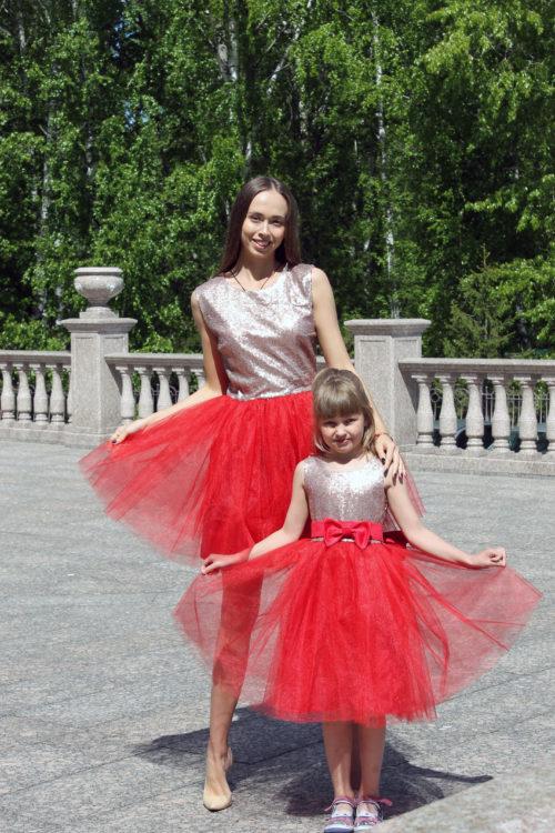 Комплект нарядных платьев Family Look для мамы и дочки КМ 2234