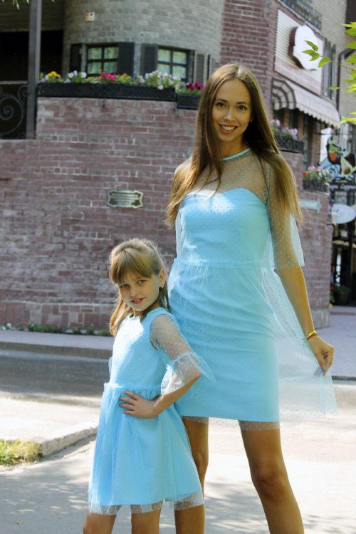 Комплект нарядных платьев Family Look для мамы и дочки КМ 2224