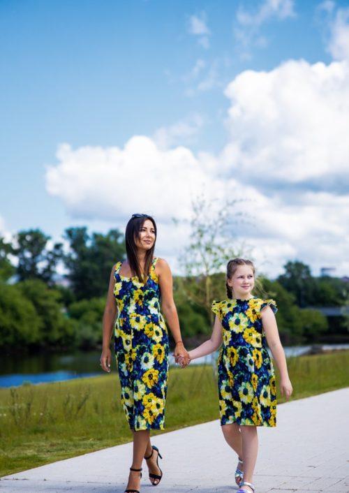 """Комплект летних платьев в стиле Family Look для мамы и дочки """"Подсолнухи"""" М-2138"""