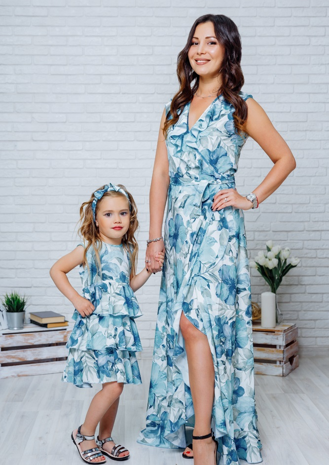 """Комплект летних платьев Family Look для мамы и дочки """"Экзотика"""" М-2082"""