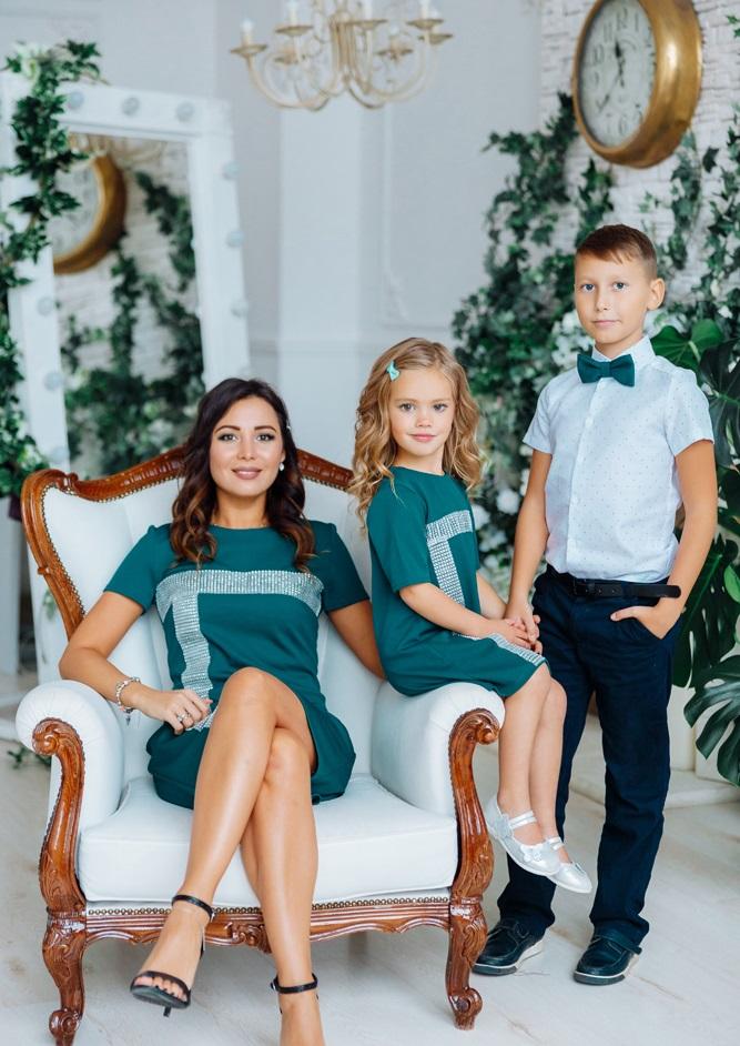 """Комплект нарядных платьев в стиле Family Look для мамы и дочки """"Муза"""" М-2150-4"""