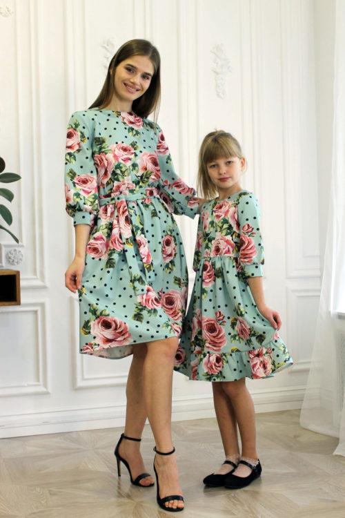 Комплект одинаковых платьев для мамы и дочки КМ 2189