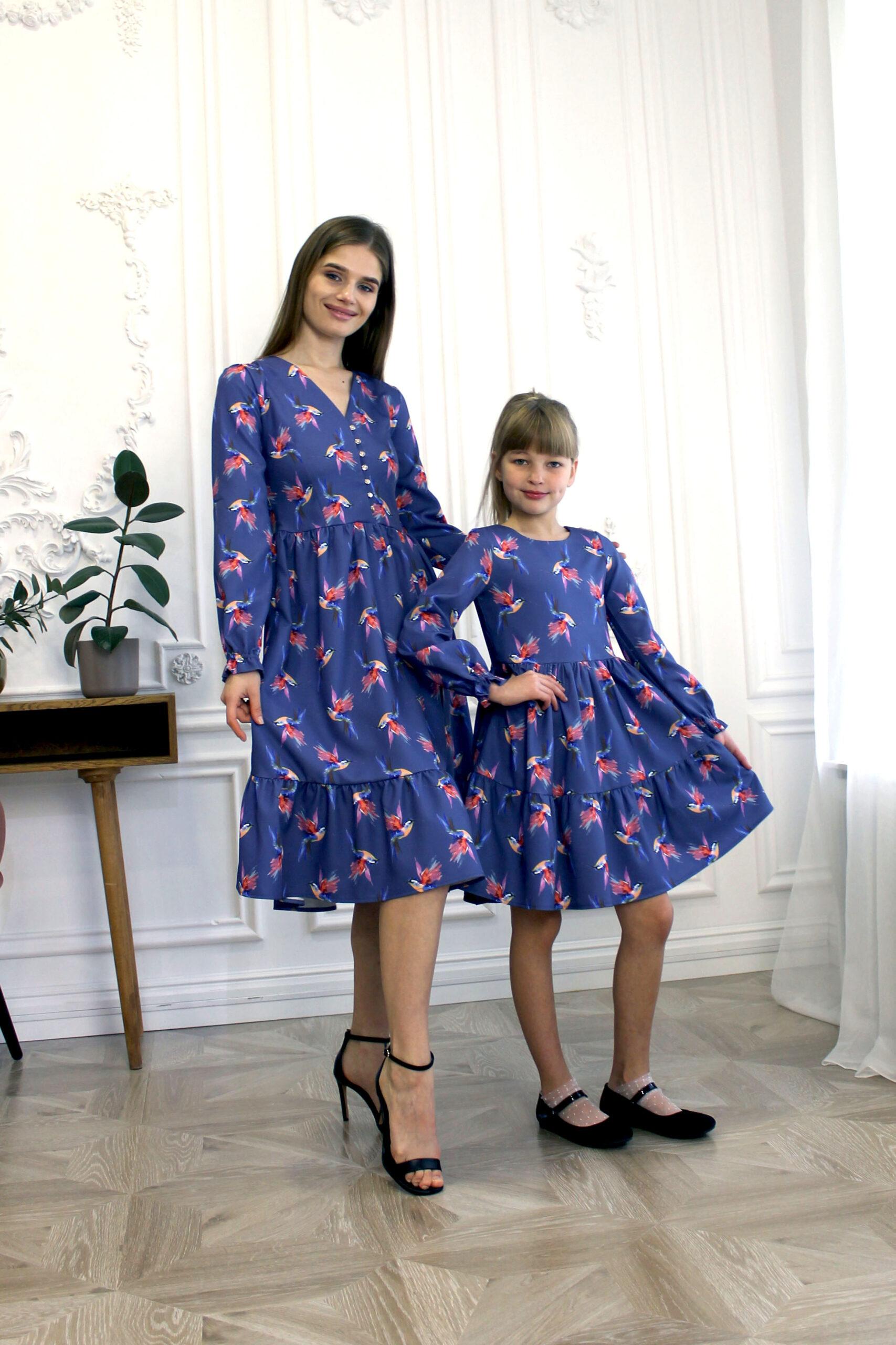 Комплект одинаковых платьев для мамы и дочки КМ 2192